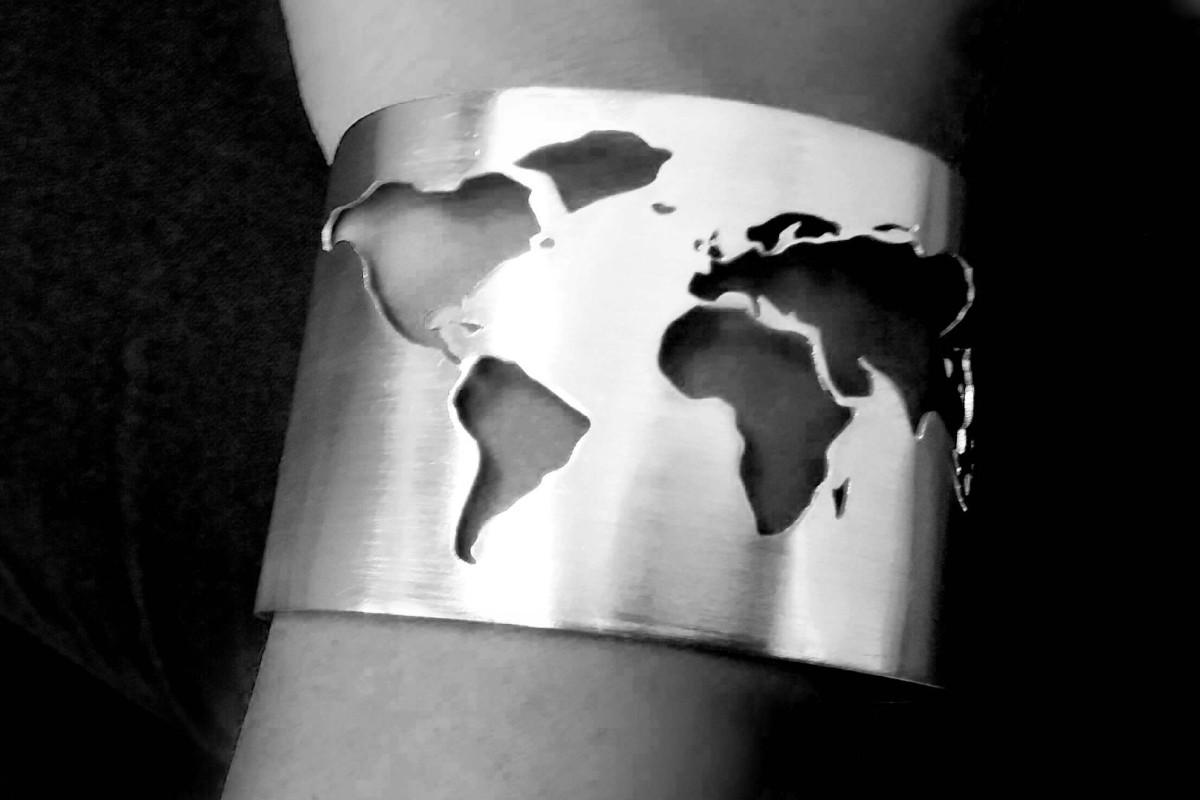 asa-maria-hermansson_bracelet_worldmap_1v